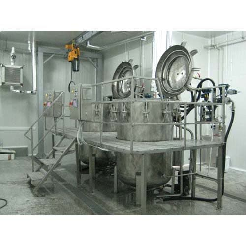 Vertical autoclaves for sterilization