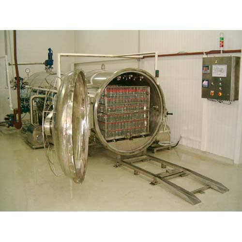 Horizontal autoclaves for sterilization