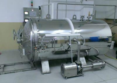 Автоклав хоризонтален за стерилизация с две колички (2)